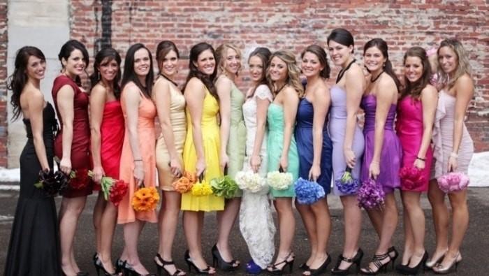 Vestidos com variações de tons ou cores diferentes